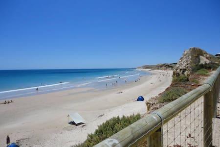Coastal Retreat at 5 Ozone - Hus