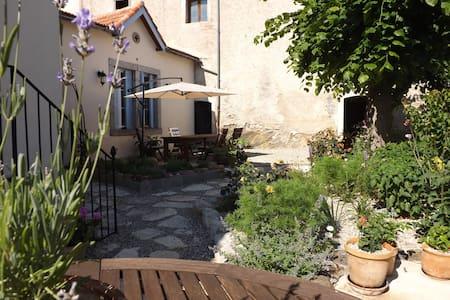 Le Petit Chateau Chambre d'hôtes - Penzion (B&B)