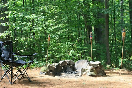 MainelyGlamping's Hide-Away Cabin - Newfield - Cabin