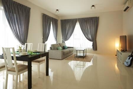 Cosy big 2BDR house @ Bukit Bintang - Apartment