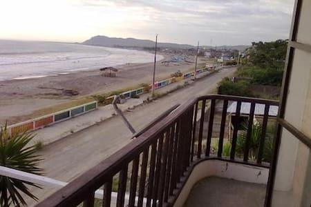 Home near sea in Puerto Cayo - Casa