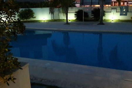 Loft con piscina, parque infantil - Daimuz - Loft