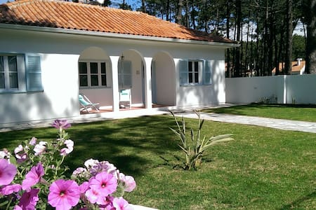 Beach bungalow near Lisbon - Daire