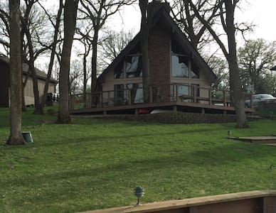 Berkshire Weekend Lakefront Home - Plattsmouth - Kisház