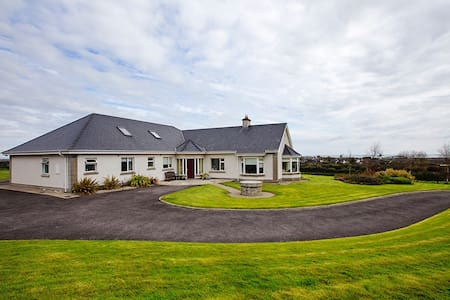 4 Bed/4 Bath family home Skerries, Co Dublin.