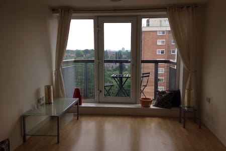 Light, bright and modern apartment. - Manchester - Lejlighed