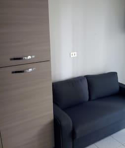 Appartamento fiera brevi periodi uso turistico - Kondominium