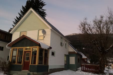 Powder Highway Guest House