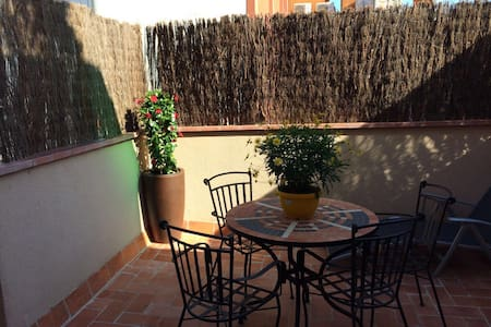 Penthouse 2 min from Metro station - L'Hospitalet de Llobregat