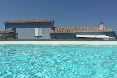 Villa Provençale : La Maison Bleue - Apt