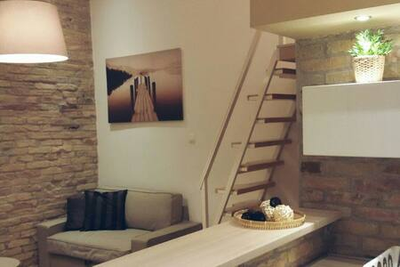 Modern studio apartment in Budapest - Huoneisto