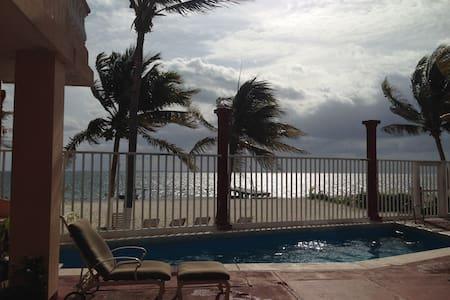 Beachfront  Apartment(PlayaAzul#08) - Cancún - Appartement
