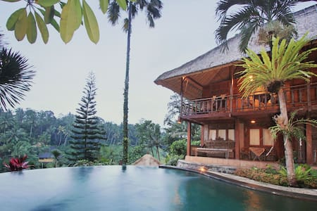 Natural Wood House with Jungle View - Tegallalang - House