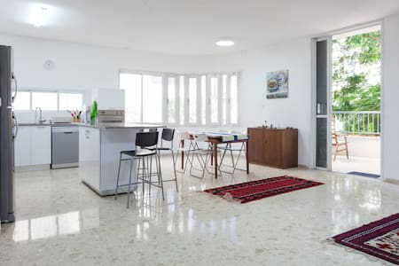 A Modern Room in Rehovot - Rehovot - Bed & Breakfast