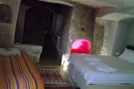 cave double room whit balloon tour