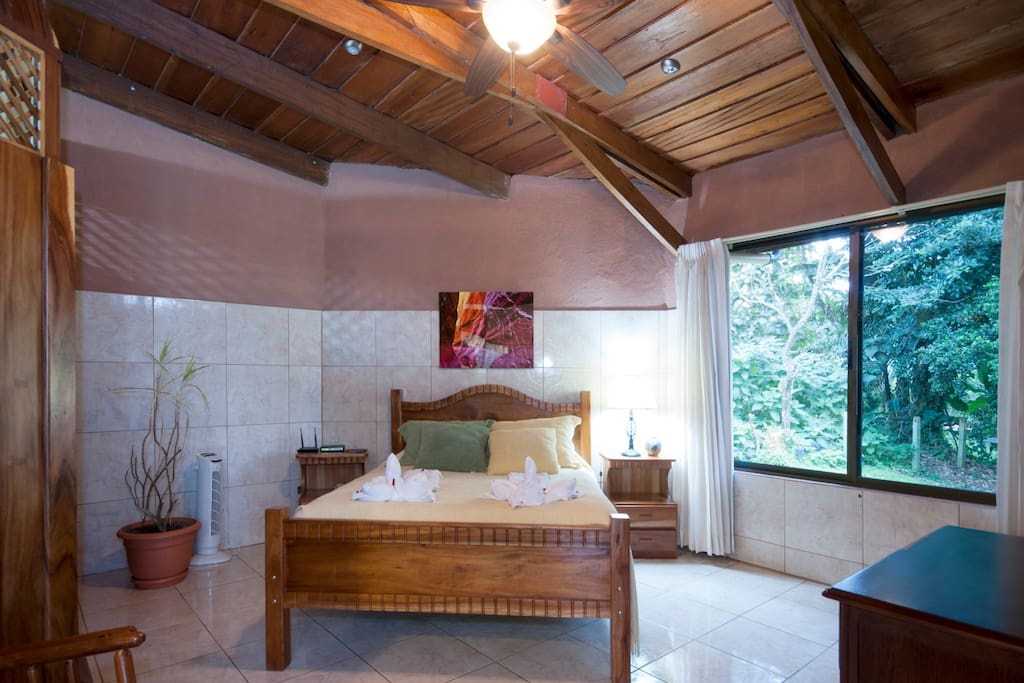 Cozy 3BD with Arenal Volcano view