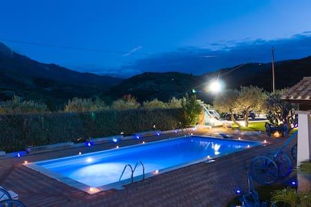 Rosa Resort con piscina e jacuzzi - Oliena - Villa