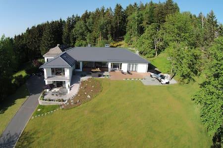 View & Garden Villa Schauenstein - Apartment