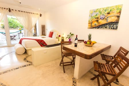 Beautiful, sunny w/ private terrace w/hot tub BP5 - Playa del Carmen - Lägenhet