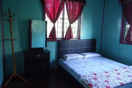 MandarouHome, Queen bed. - House