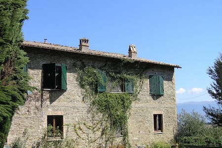 La Pila: A room overlooking Assisi