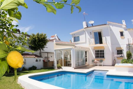 Private Bed & Bath unit, with pool - Marbella - House