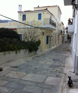 Traditional two floor house 75m2 - Ev