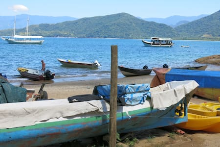 In a small fisherman village called Picinguaba, this house is perfect to a couple or small families. It stays on the boarder of São Paulo and Rio de Janeiro state within a envolrement
