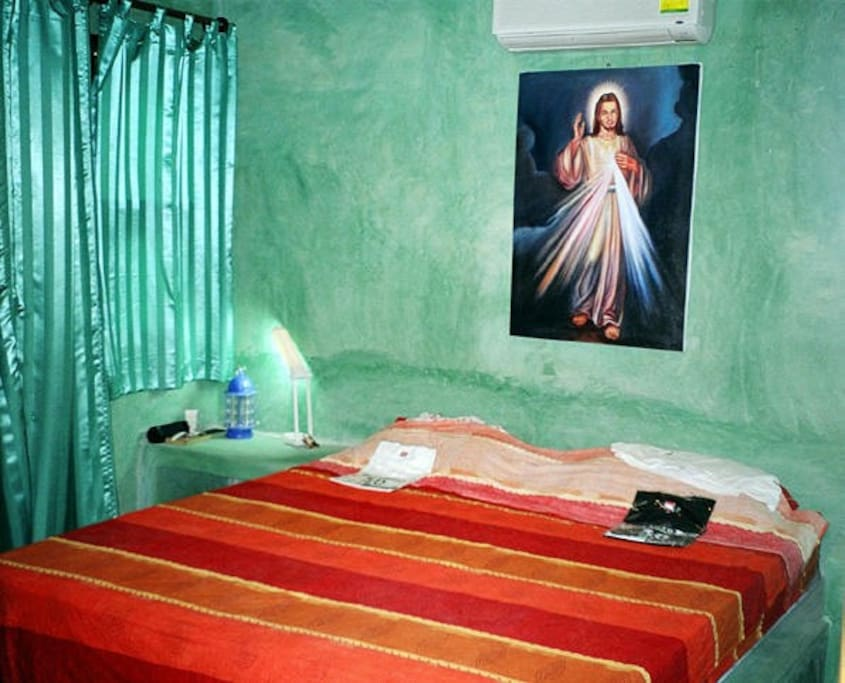 bed_room_emerald_house
