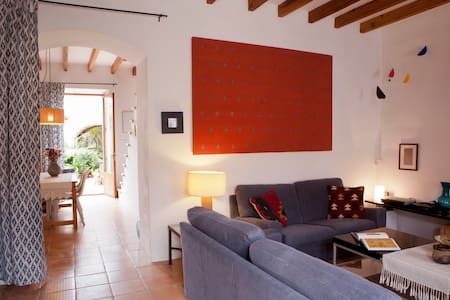 FULLY RESTAURED MALLORCAN VILLAGE HOUSE PATIO - Hus
