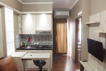 Homey Strategic Apartment in Bekasi - Bekasi - Huoneisto