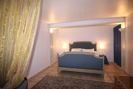 Chambre Lavande proche d'Avignon - Laudun-l'Ardoise - Bed & Breakfast
