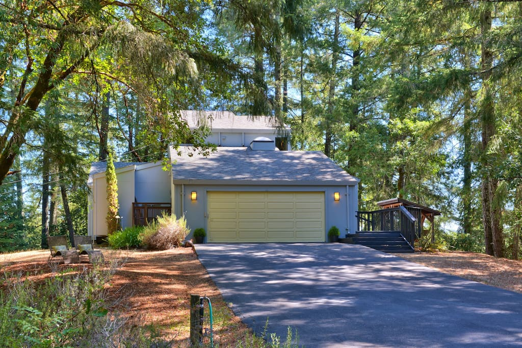 2BR/2.5BA Forested home on 6 acres