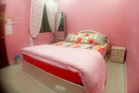 Simple Homestay - Bukit Mertajam - Hus