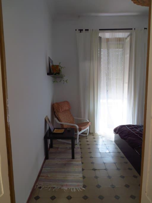 tu habitación/your room