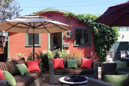 Venice Walk Street Cottage - Los Angeles - House