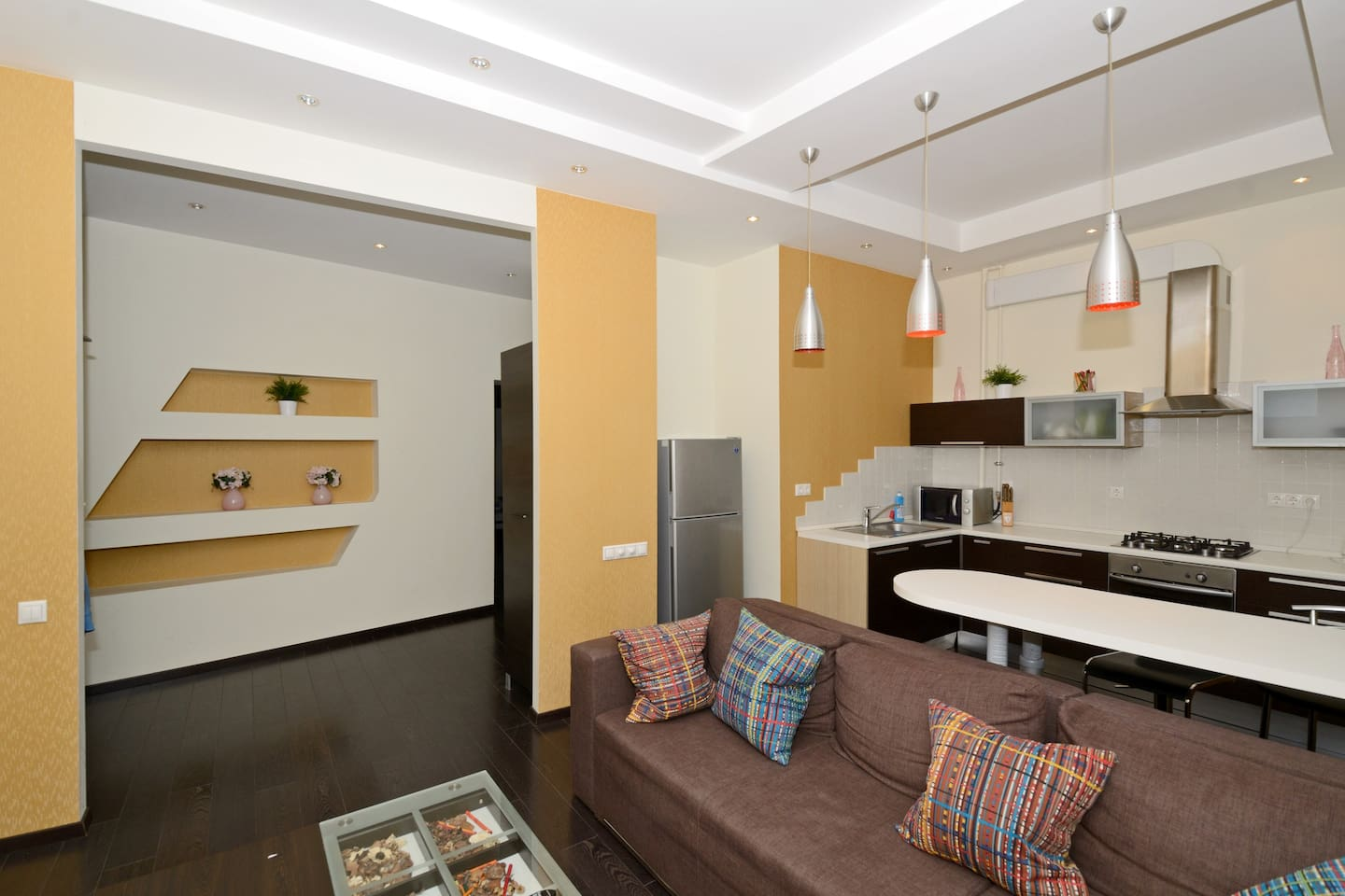 This apartment is situated in the very centre- on famous Khreshchatyk street, right on Independence Square. Very close to all tourist attractions, restaurantes and boutiques.