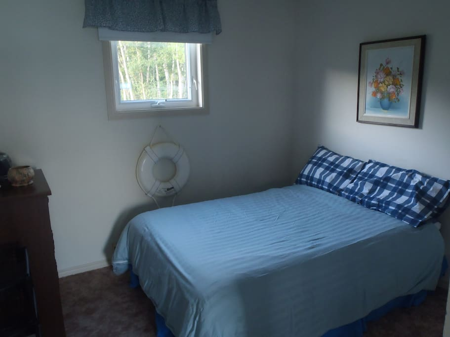 Fully furnished two bedroom cottage.