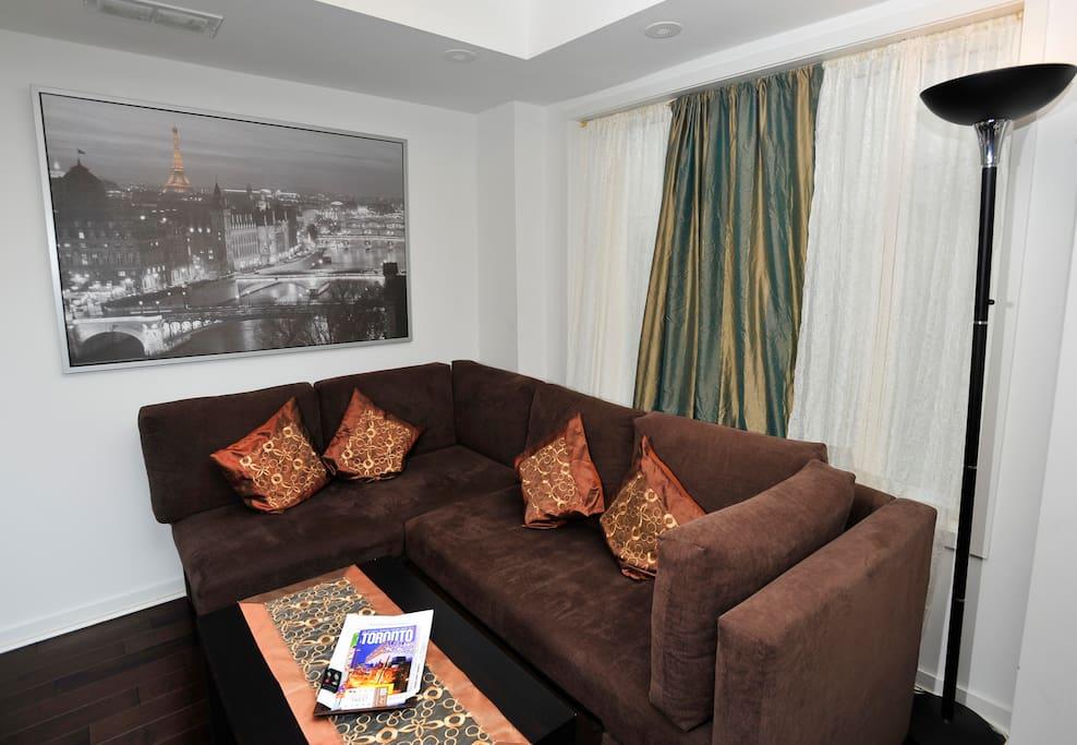 Living Room (photo taken during daytime)