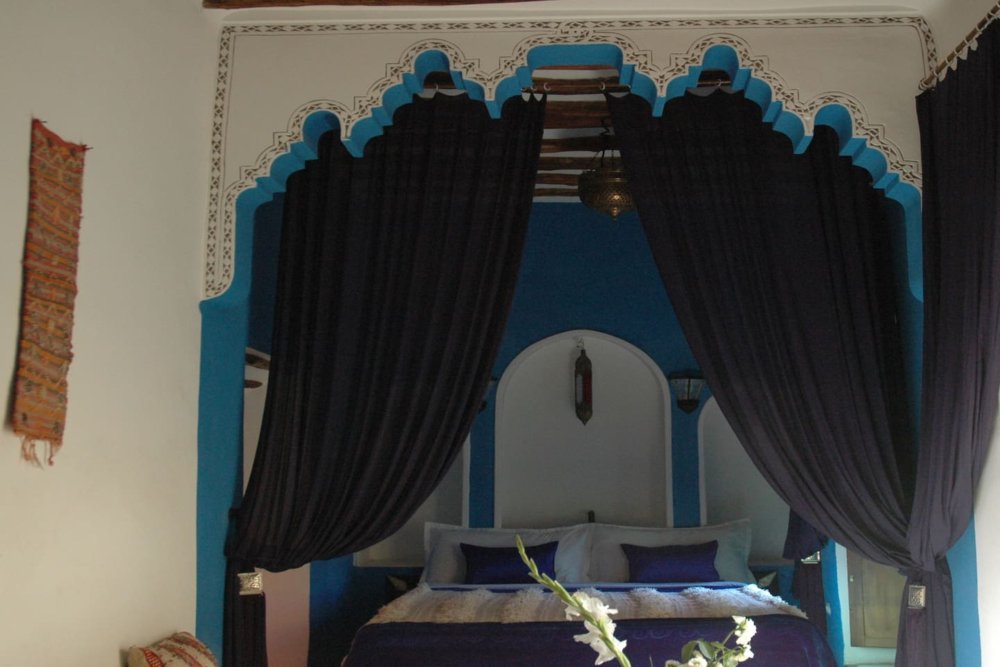 Majorelle blue double bed
