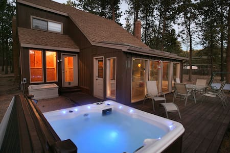 Woodland Park Haven / RENOVATED! - Cabin