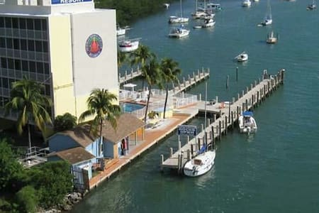 Anchorage Resort and Yacht - Byt