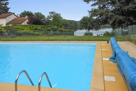 Comfortable chalet with swimming pool - Saint-Gérons - Alpehytte