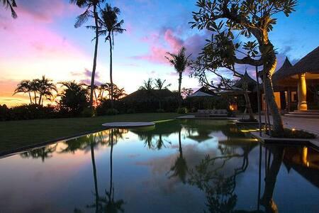 Hotel Casa Daniela Bali - Bungalow Fuego - Mengwi - Bungalow