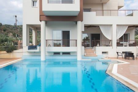 Luxurious 4bedroom Villa Kerezenia  - Kalamata - Villa
