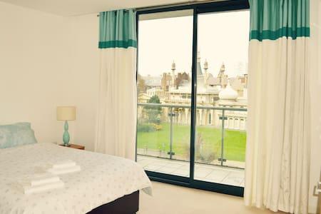 Royal Pavilion Flat + Parking - Brighton - Apartment