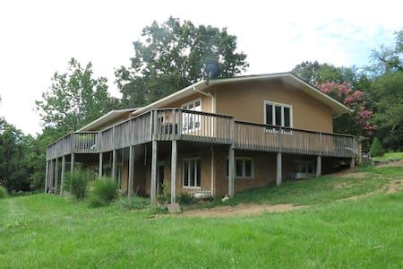 Mountain View for 6 - 7 guests - Blacksburg - Dům
