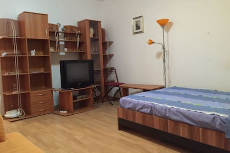 Cozy room in city center - Arad - Oda + Kahvaltı