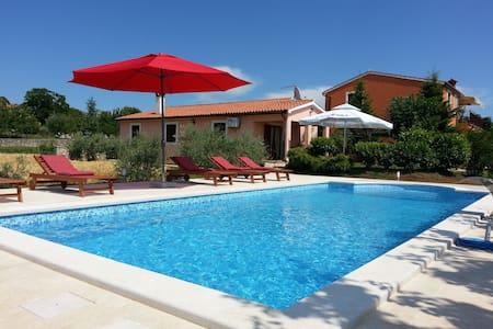 Villa Dorina mit Pool, Orihi - Orihi