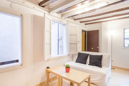 Full apartment in downtown BCN
